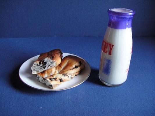 当時の給食のイメージ写真