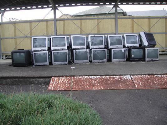 廃棄テレビ