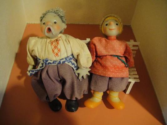 高齢者人形